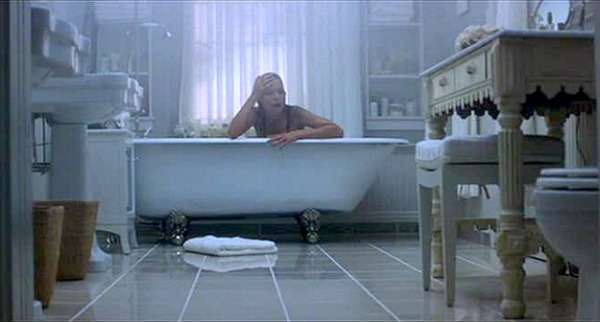 What Lies Beneath Michelle Pfeiffer Bathtub